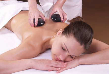 Hot-Stone Massage im Ensana Health Spa Hotel Pacifik in Marienbad
